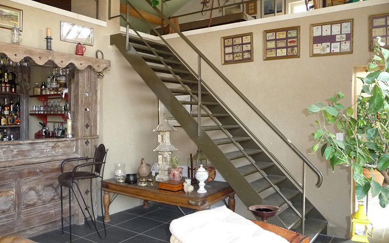 Escalier métal à limon latéraux